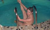 4 Girls 1 Pool