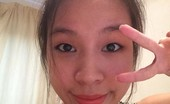 Singapore Claudia Takes Selfies