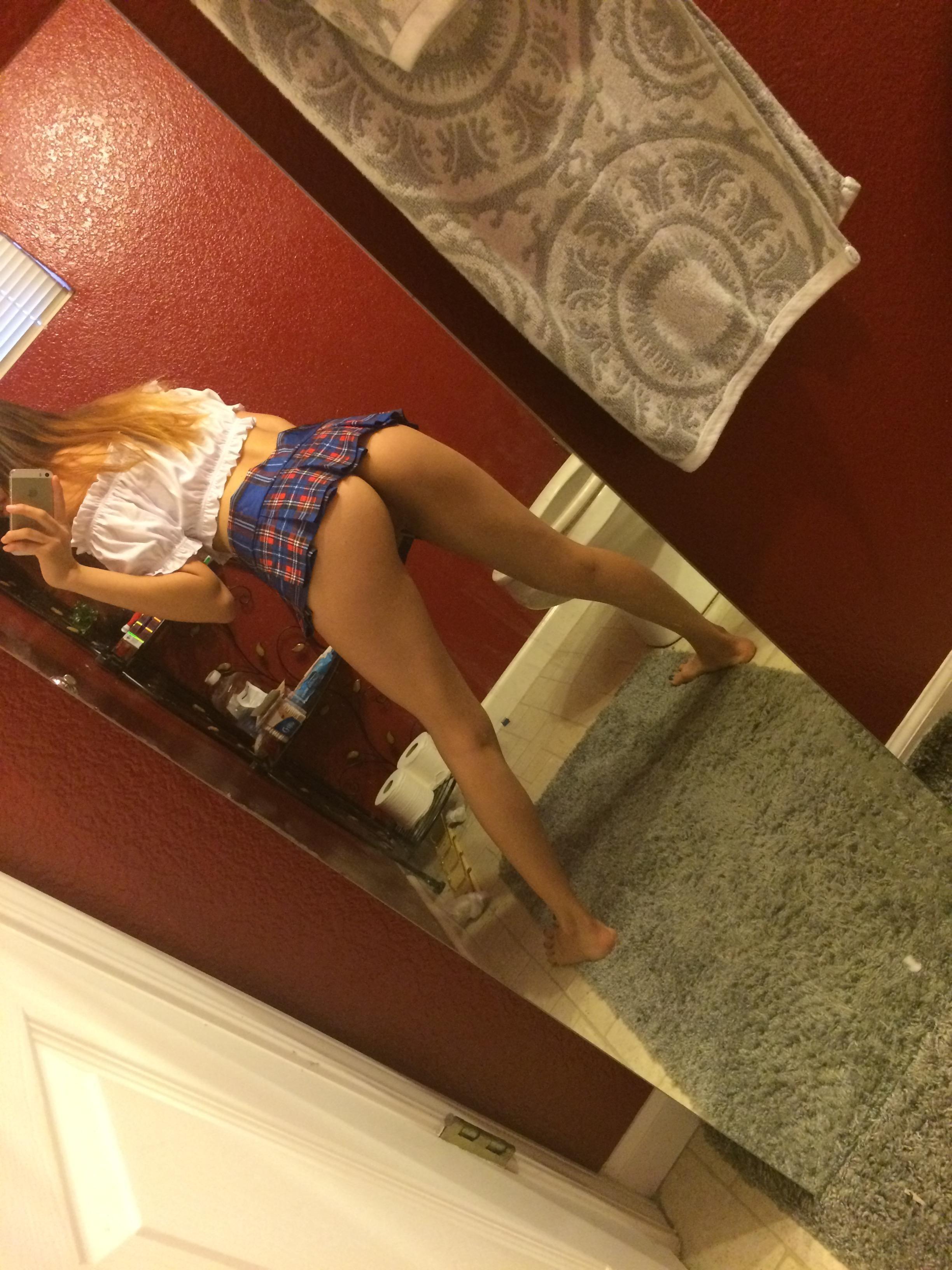 Peachy Amber Asian Cutie