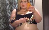 Thick Selfie BBW Blonde Cutie